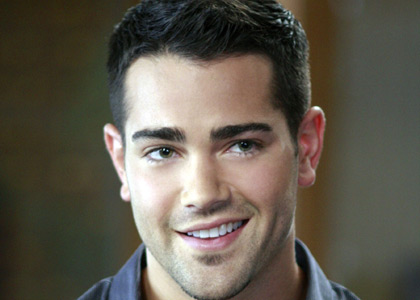 Jesse Metcalfe, de Desperate Housewives à Dallas ?