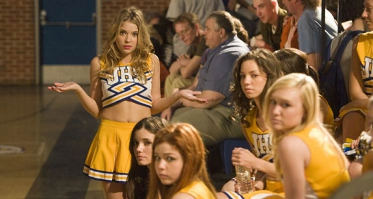 Ashley Benson, l'héroïne de Pretty little liars devient pom-pom girl sur M6