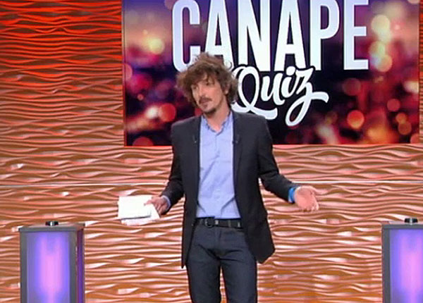 Arnaud tsam re et canap quiz ne cr ent pas la surprise for Canape quiz