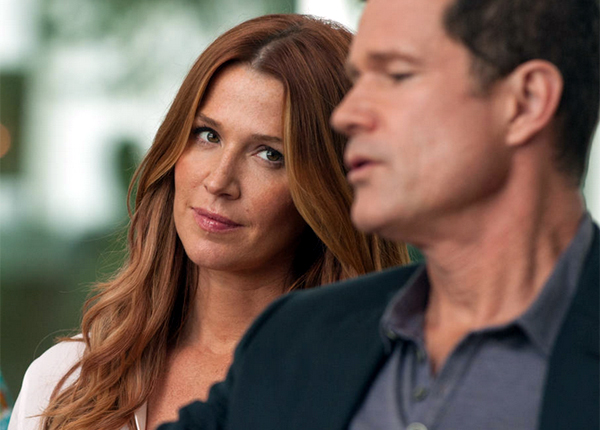 Unforgettable : Poppy Montgomery enterre la relation entre Carrie Wells et Al Burns