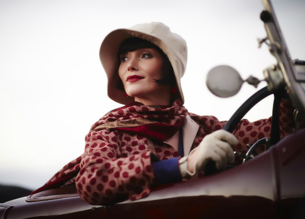 Essie Davis : « Miss Fisher, c'est James Bond au féminin »