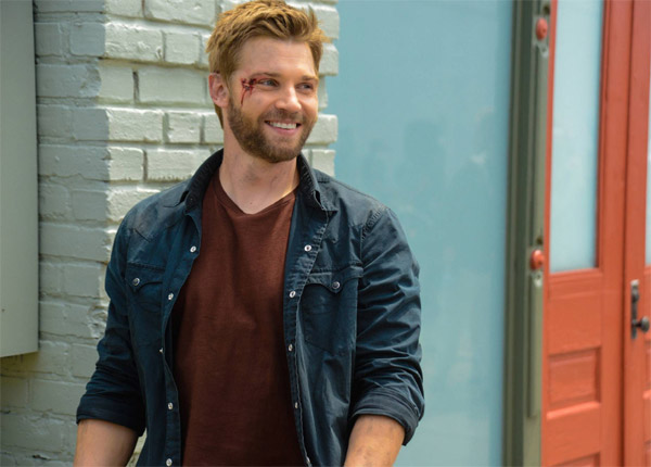 Mike Vogel (Under the dome) : « Barbie ne peut s'empêcher de venir en aide à Julia et Joe »