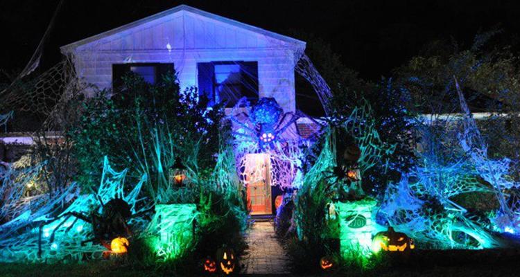 halloween battle quelle sera la maison la plus. Black Bedroom Furniture Sets. Home Design Ideas