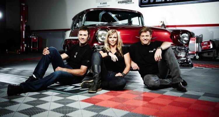cars restoration chip foose et son quipe donnent une nouvelle vie des voitures anciennes. Black Bedroom Furniture Sets. Home Design Ideas