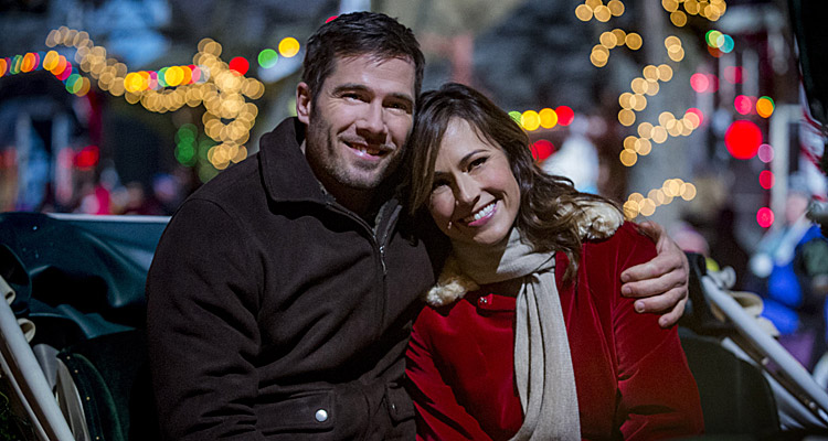 Le pays de Noël (6ter) : Nikki Deloach (Awkward) aidée par Luke MacFarlane (The night shift)