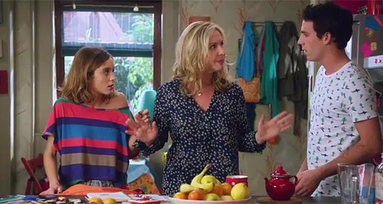 En famille / Scènes de ménages : les femmes de moins de 50 ans plébiscitent les shortcoms de M6