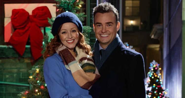 La Melodie De Noel La mélodie de Noël (M6) : Lindy Booth (Flynn Carson) contre Robin