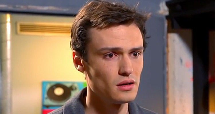 Elliot Delage (Les Mystères de l'amour) : « Julien va faire une rencontre qui pourrait tout changer »