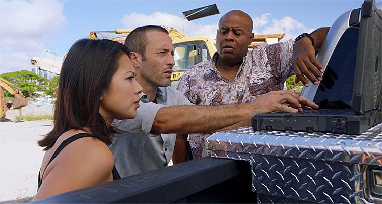 Hawaii 5-0 (saison 8): Adam (Ian Anthony Dale) et Jessie (Christine Ko) de retour sur M6 pour contrer un attentat chimique