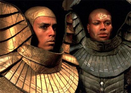 dans quel film ou série ... - Page 7 Stargate-sg1-ennemi-go
