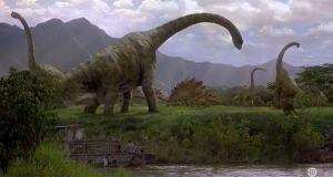 Audiences TV prime (mardi 14 juillet 2020): Jurassic Park 3 fragilise Le concert de Paris, La bataille du jury en hausse