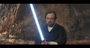 Audiences TV Prime (dimanche 25 octobre 2020): Star Wars - les derniers Jedi en tête sur TF1, La deuxième étoile brille face à Capital, The Queen règne