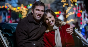 Le pays de Noël (6ter) : Nikki Deloach (Awkward) aidée par Luke MacFarlane (The night shift)