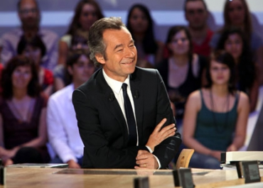 Nikos Aliagas booste l'audience du Grand Journal