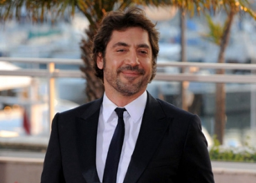 Glee : Javier Bardem in, Katie Holmes out