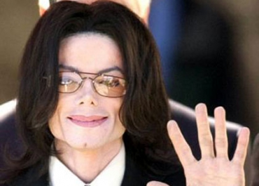 Michael Jackson tombe le masque