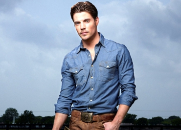 Josh Henderson (Dallas) : « Desperate Housewives ? Je passais mon temps torse nu ! »