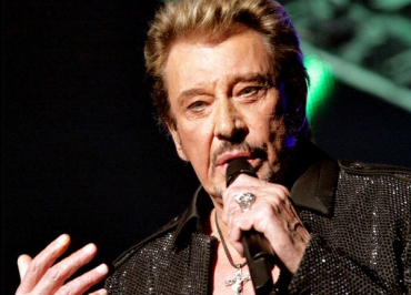 Johnny Hallyday dévoile « Rester vivant » au Grand Journal de Canal +